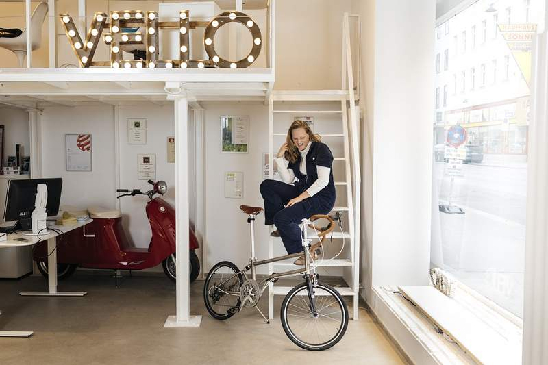 "Foto von Valerie Wolff in ihrem Start-up ""VELLO Bike"""